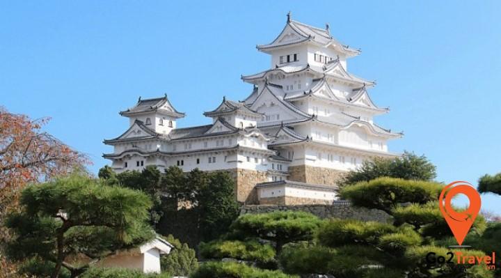 Lâu đài cổ kính Himeji