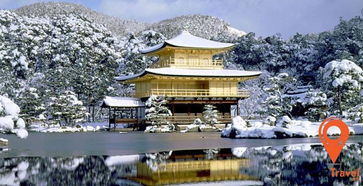 đền Kinkaku-ji vào mùa đông