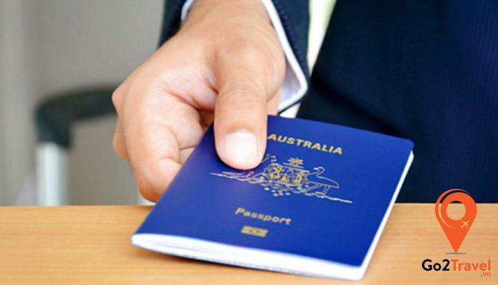 tuân thủ các điều kiện của visa và luật pháp của nước Úc