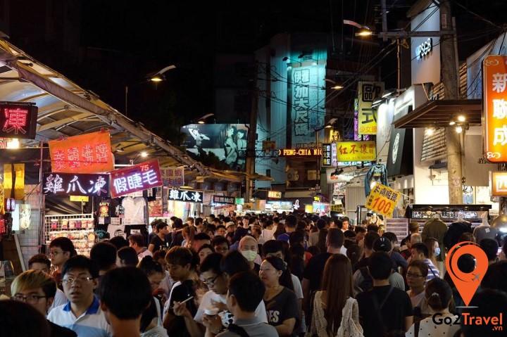 Chợ đêm FengJia - khu chợ đêm suần uất nhất Đài Trung