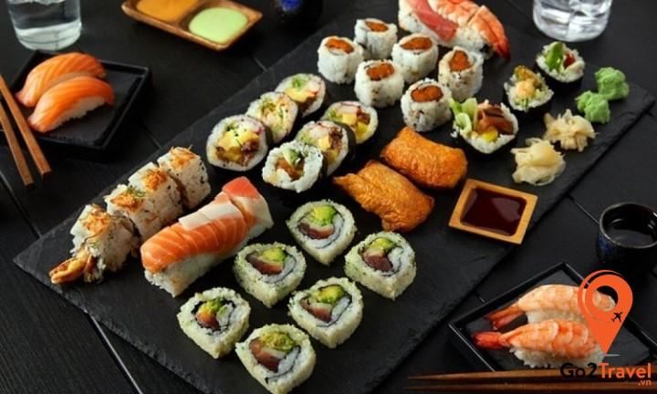 Sushi – món ăn truyền thống, không thể thiếu vào dịp năm mới ở Nhật Bản