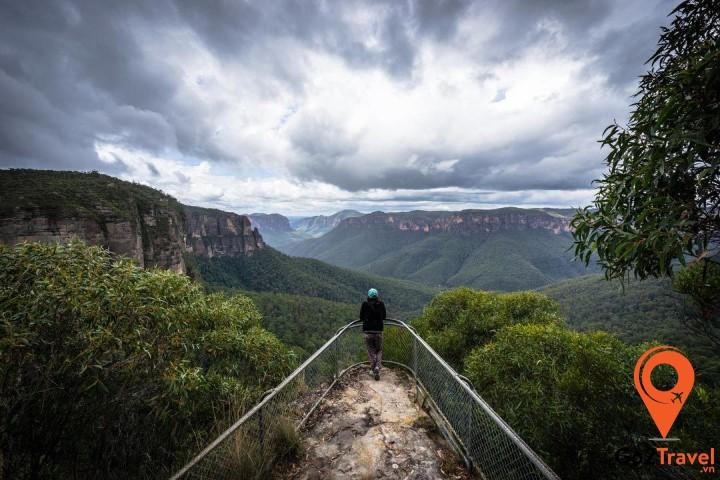 he Blue Mountains từ trên cao như thung lũng Jamison, núi đơn hay thác Katoomba