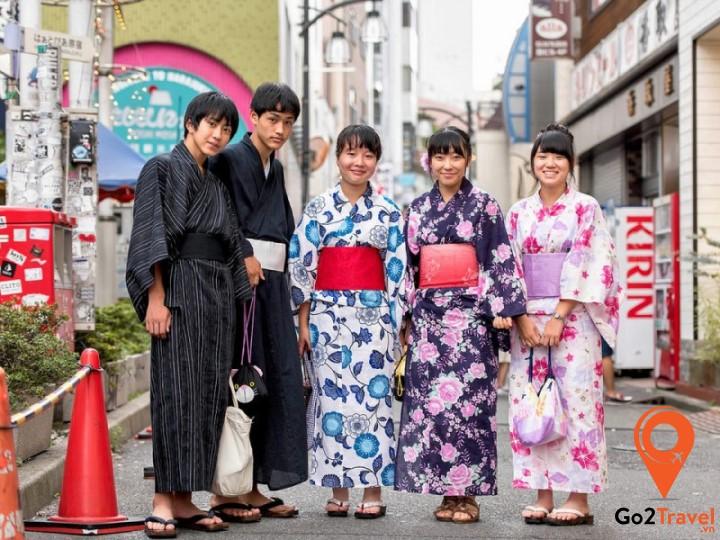 Yukata là một bộ kimono mùa hè giản dị