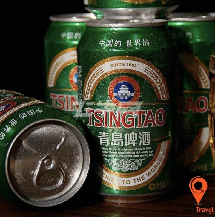 Bia Tsingtao là loại bia nổi tiếng của Trung Quốc, rất phổ biến tại cổ trấn