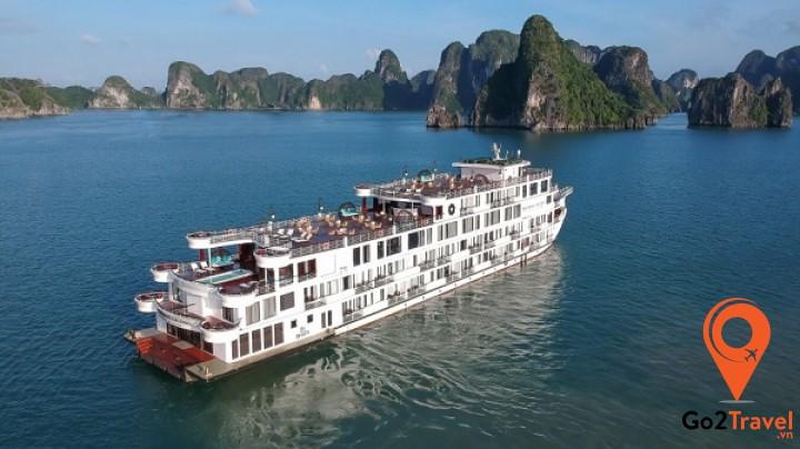 Du thuyền Hạ Long sang trọng