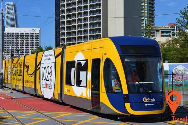 xe điện đi vòng quanh thành phố City Circle Tram là một loại phương tiện miễn phí cho khách du lịch