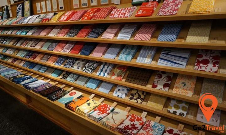 Tenugui là khăn lau tay truyền thống của Nhật Bản