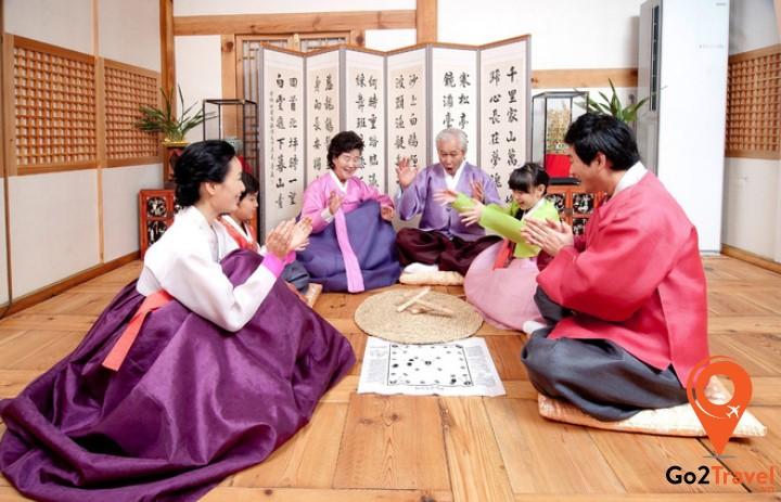 Người Hàn Quốc thường không ngủ vào đêm giao thừa.