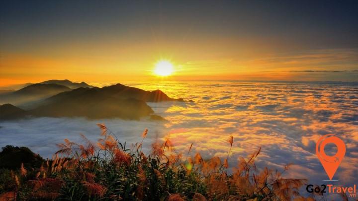Vẻ đẹp núi Alishan khi chiều tà