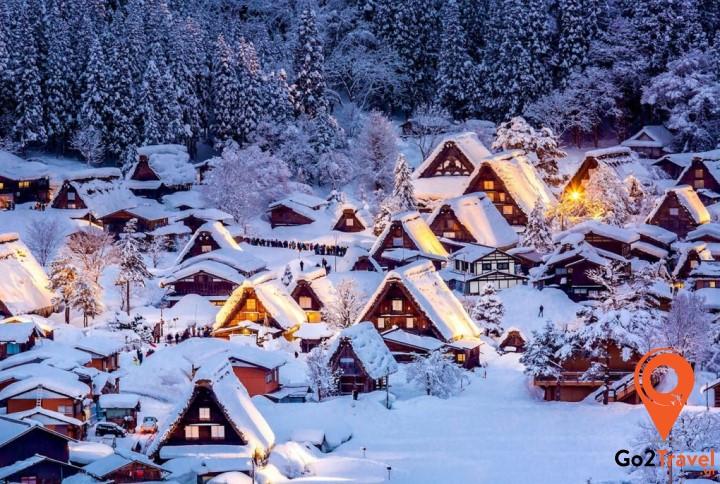 Shirakawago là một ngôi làng cổ, được UNESCO công nhận là di sản thế giới từ năm 1995
