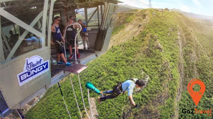 Nhảy Bungee – trải nghiệm bay giữa bầu trời vô cùng thú vị