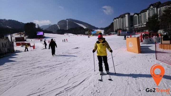 Tham gia trò chơi trượt tuyết