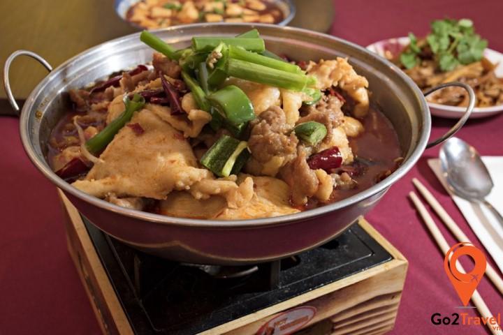 món ăn khá độc đáo và mang đậm hương vị bản xứ nhất ở Phượng Hoàng Cổ Trấn