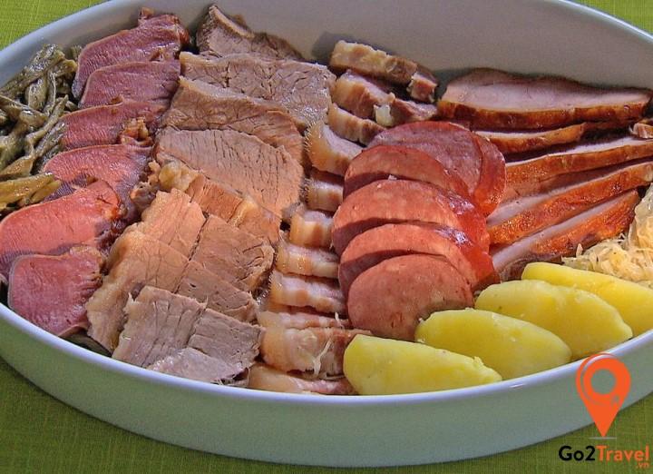 Đây là một món ăn rất bổ dưỡng dành cho những người thích ăn thịt
