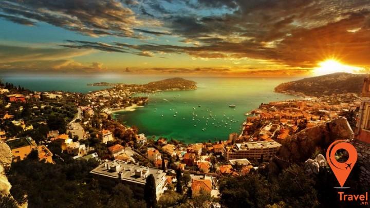 """điểm đến lý tưởng cho những ai đã trót """"nghiện"""" vẻ đẹp của miền biển Địa Trung Hải"""