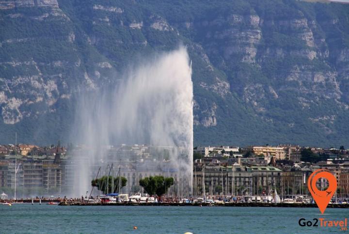 đài phun nước lớn nhất thế giới tại hồ Geneva