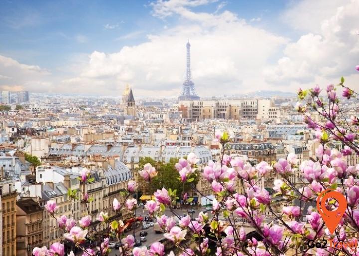 Paris vào mùa xuân