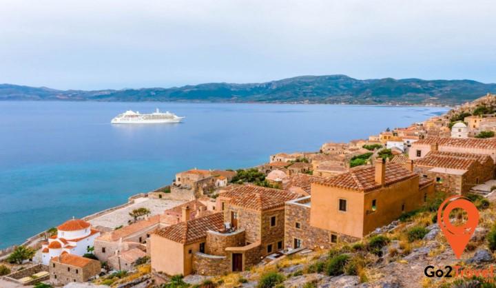 Peloponnese cũng là một viên ngọc quý của du lịch Hy lạp