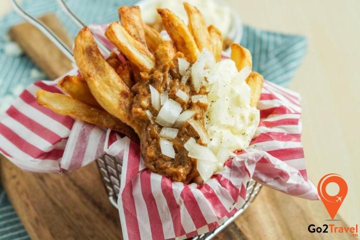 Thick Dutch Fries là món khoai tây chiên ăn kèm các loại nước sốt
