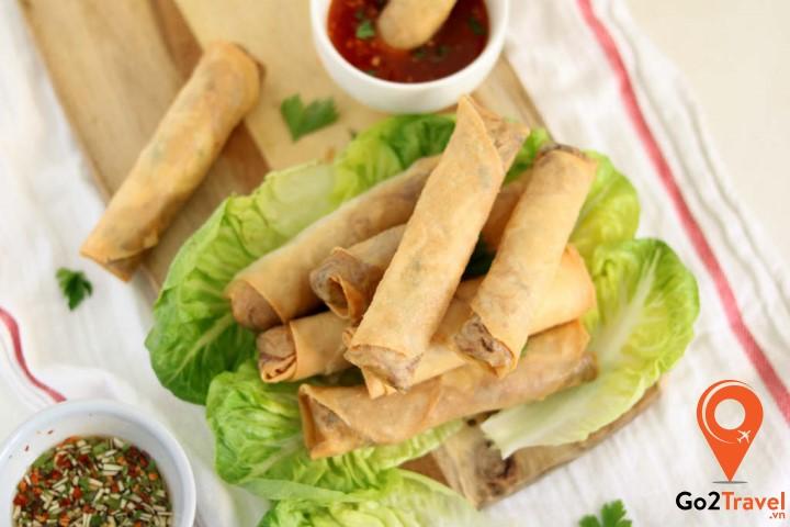 Món ăn này khá đặc biệt vì tên gọi liên quan đến Việt Nam, thế nhưng hương vị lại hoàn toàn khác biệt.