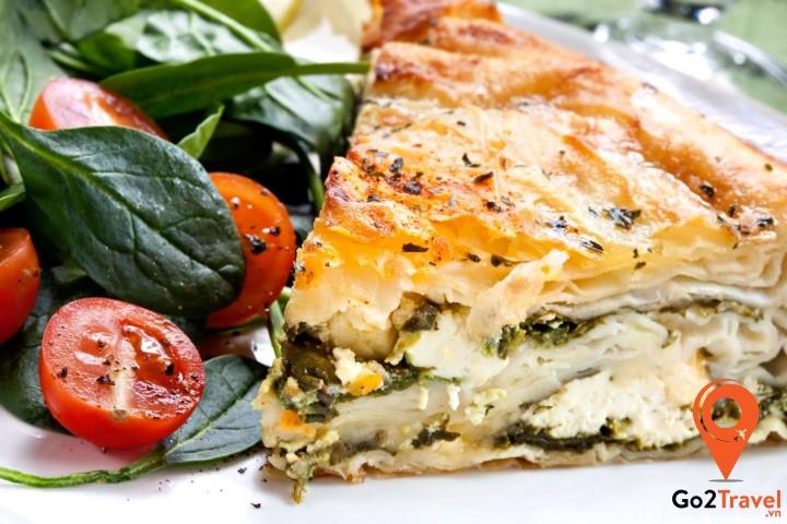 Bánh Spanakopita là món quà tuyệt vời cho những ai yêu bánh nướng