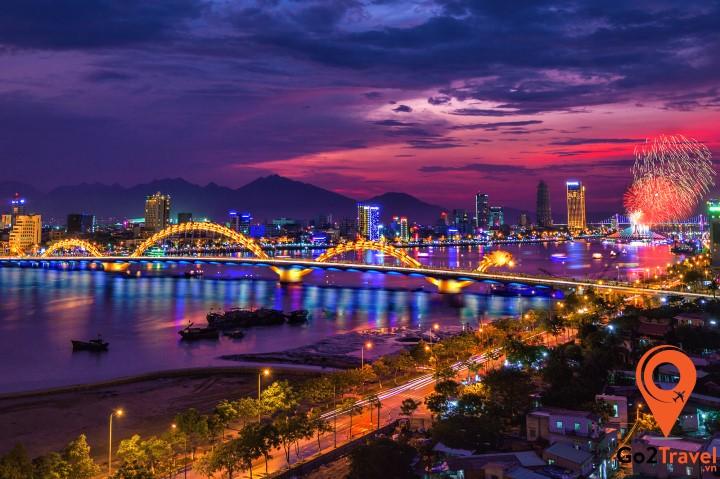 Tạm thời, du khách nên hạn chế những chuyến du lịch không cần thiết đến Đà Nẵng