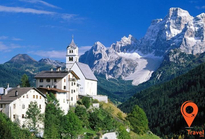 Dãy núi Alps thuộc lãnh địa Thụy Sĩ thường được gọi là vùng trung tâm