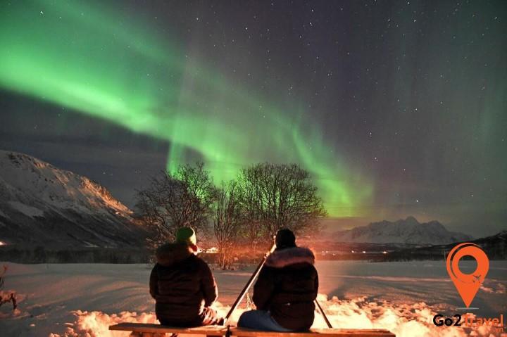 Việc đi lại ở Iceland khá thuận tiện nên bạn dễ dàng có thể được trải nghiệm bắc cực quang