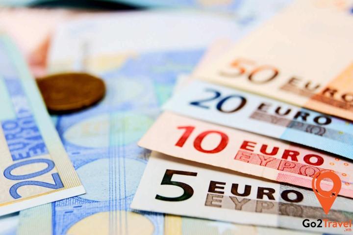 Euro là đồng tiền chính được sử dụng tại Pháp