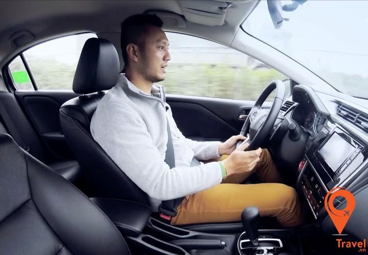 Đừng thử học lái xe ở Hy Lạp