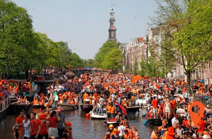 Mùa hè là mùa của lễ hội và các cuộc diễu hành