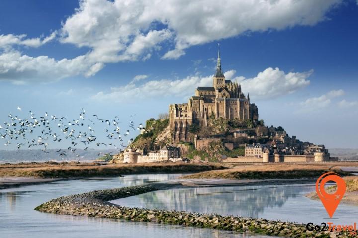Đảo Mont Saint – Michel khung cảnh đẹp như tranh vẽ