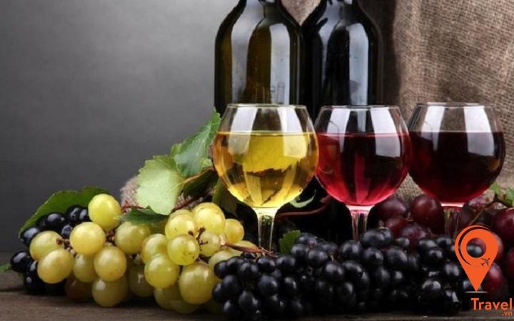 Rượu vang là món quà hảo hạng dành cho những người yêu rượu