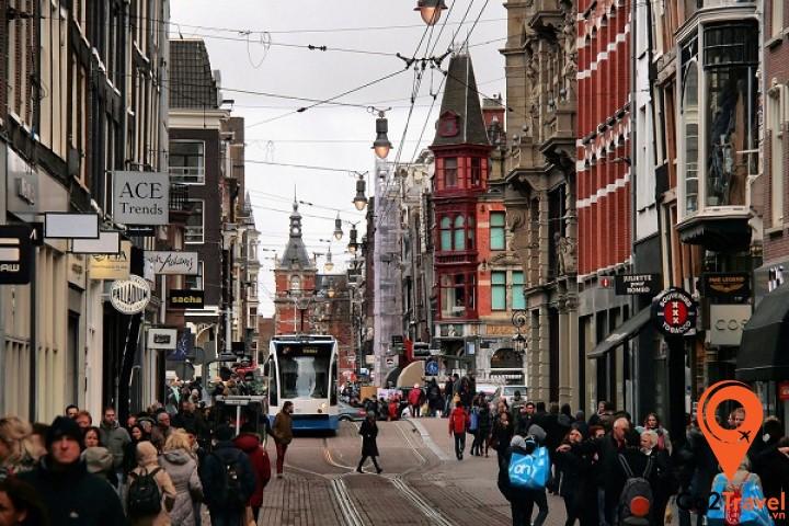 Con đường mua sắm Leidsestraat