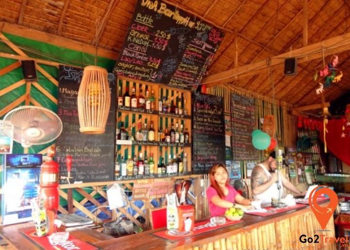Sky Bar là quán bar nổi tiếng nhất ở đảo Koh Rong