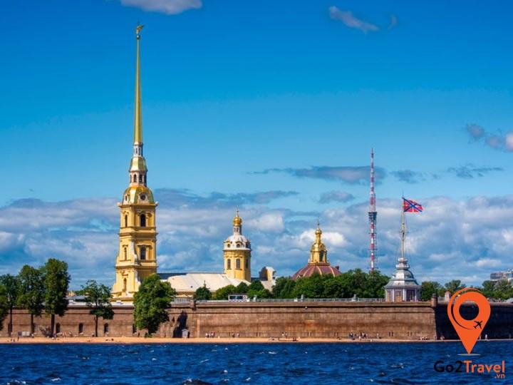 Pháo-đài-Petropavlovskaya-1