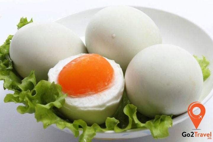 Trứng vịt là một món ăn vặt rất được ưa chuộng