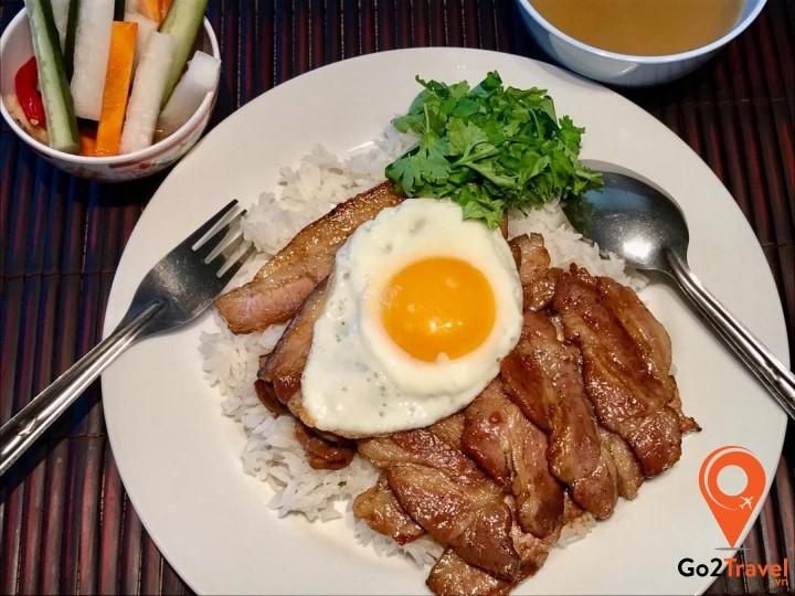 món ăn phổ biến trong bữa sáng của người Campuchia
