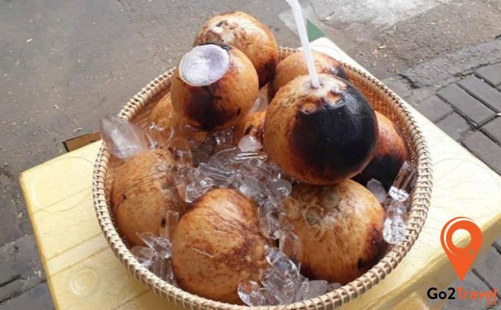 Món ăn độc đáo từ quả dừa
