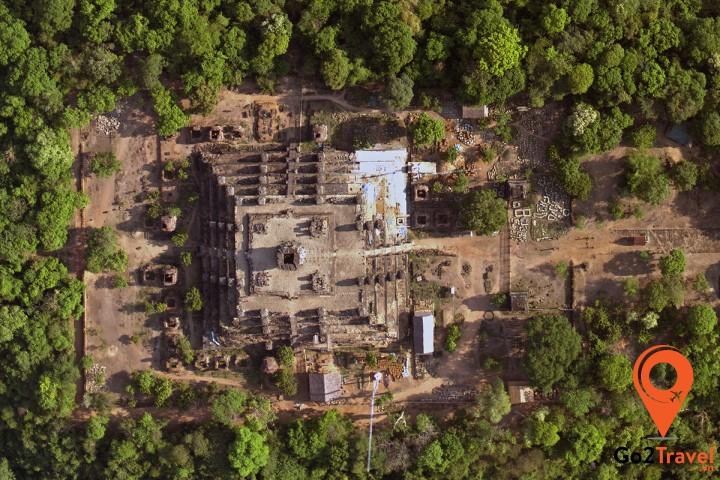 Ngôi đền Phnom Bakheng nhìn từ trên cao