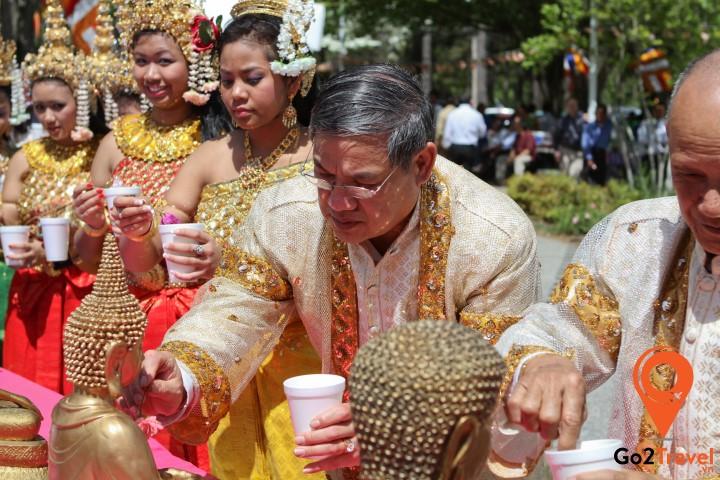 Người Campuchia đón năm mới vào tháng 4