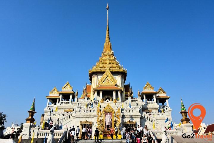 Toàn cảnh chùa nhìn từ bên ngoài