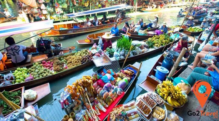 Chợ nổi trên sông ở Damnoen Saduak hẳn dành cho du khách nào vừa thích mua sắm vừa thích…
