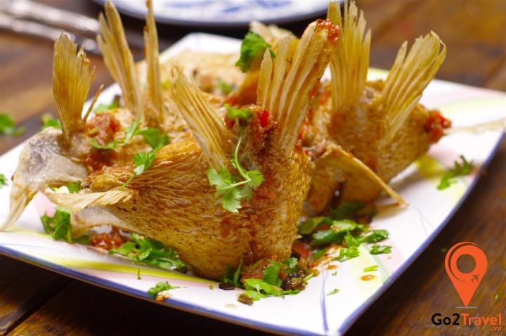 Vị chua cay ngọt hấp dẫn trong từng miếng cá