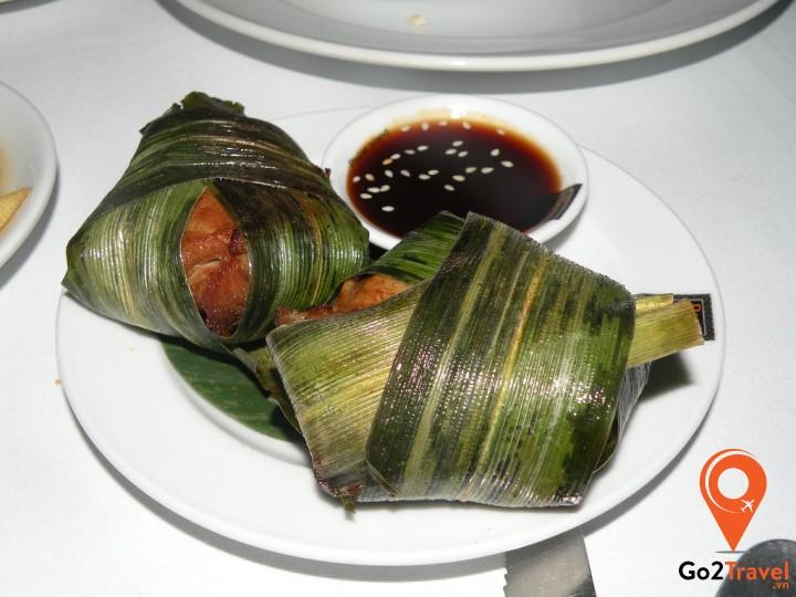 Thịt gà cuộn lá dứa