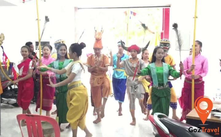 Ngoài Apsara, Campuchia còn có nhiều điệu múa dân gian khác
