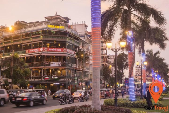 Sisowath Quay - khu vực ven sông lịch sử của Phnom Penh