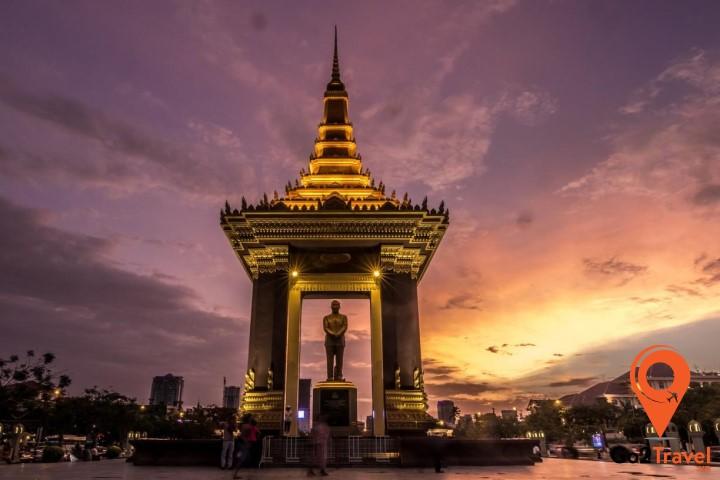 Tượng đài Độc lập - công trình kiến trúc Khmer cổ truyền