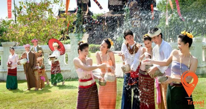 Lễ hội này đánh dấu thời khắc chuyển giao giữa năm mới với năm cũ
