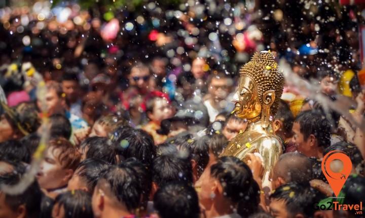 Lễ hội Songkran được diễn ra trong 3 ngày